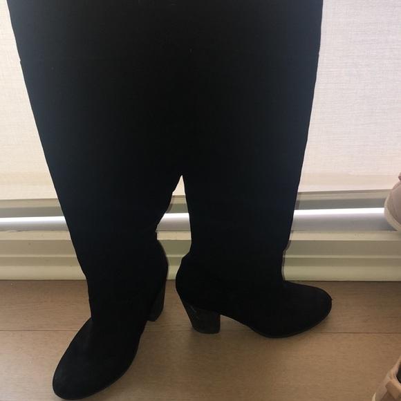 Melrose on Market boots + bonus pair